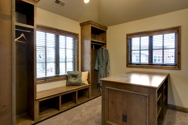 storage-cabinets-company-west-seattle